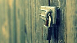 lock-640x360