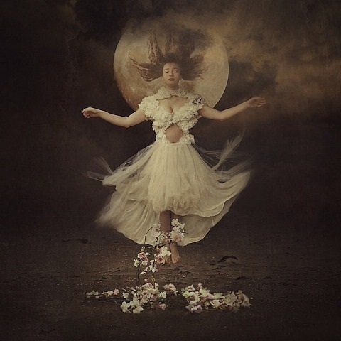 brooke-shaden-song-of-moonflower