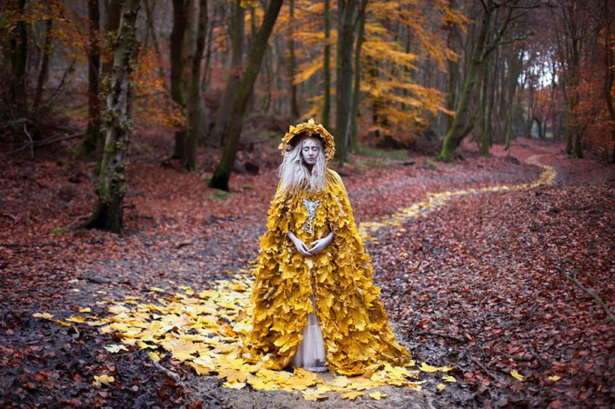 surreal-photography-kirsty-mitchell-akyklos-evlampia-tsireli-poetry-fiction-imaginarium-writing-.jpg